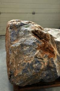 De steen net na aankomst vanuit Rotterdam-Haven